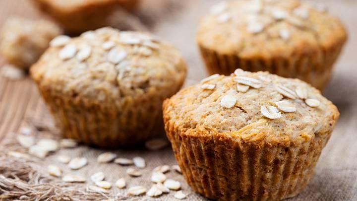 Recept: Proteinové muffiny s vlašskými ořechy a kakaem