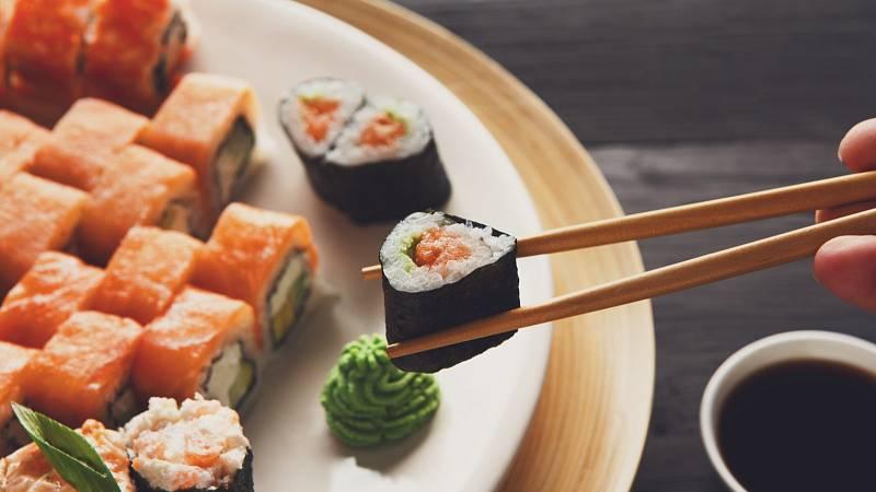 Japonská strava je vyvážená, obsahuje správný poměr zeleniny, masa a obilovin.