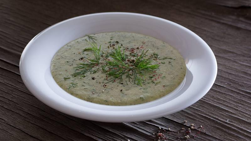 Chutná koprová polévka z cukety vám zachutná především v letních měsících.