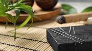 Je možné podpořit hubnutí akupunkturou?