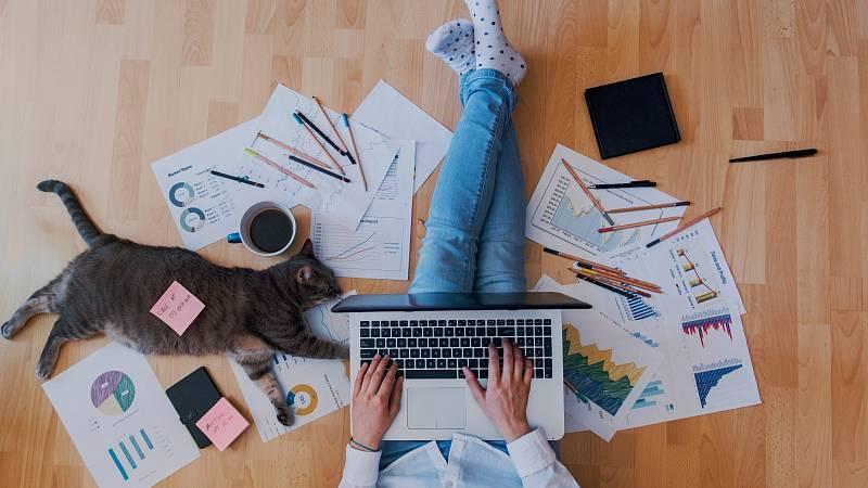 9 tipů, jak nepřibrat na home office