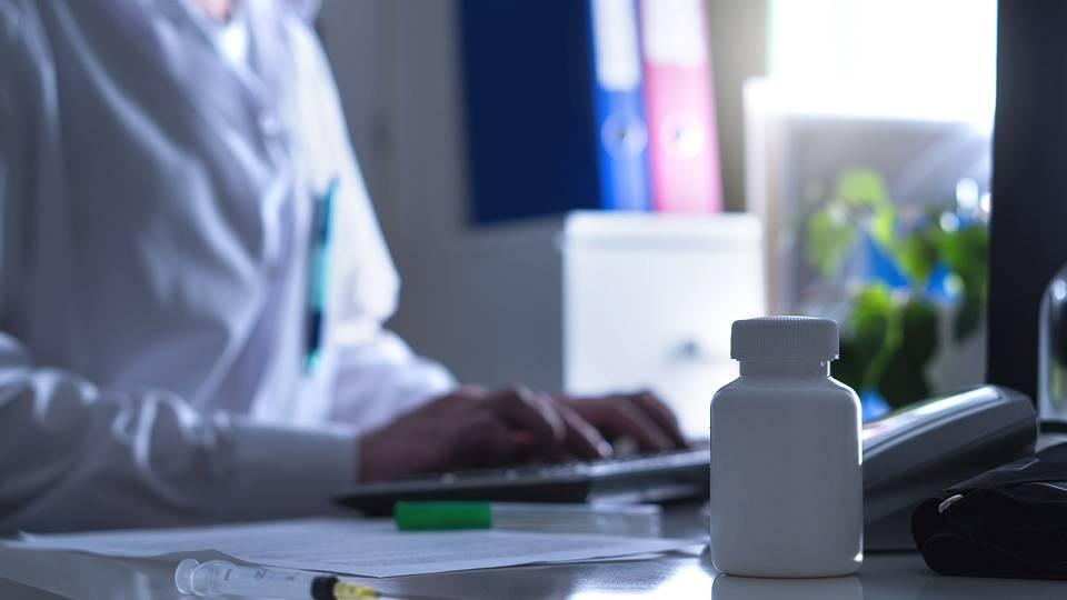 Doktoři versus šarlatáni: Komu svěřit své zdraví?