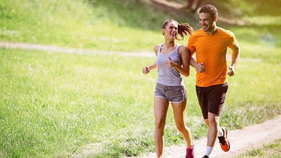 Hubnutí ve dvou: Nezapomeňte si společně zacvičit