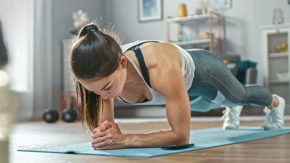 4 tipy, jak zůstat v kondici a fit, i když je všechno zavřené