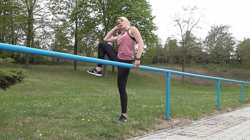 Alena Vídeňská  - Cvičení venku