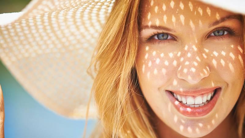 Pro tvorbu dostatečného množství vitamínu D bychom měli být denně venku na slunci čtvrt hodiny.