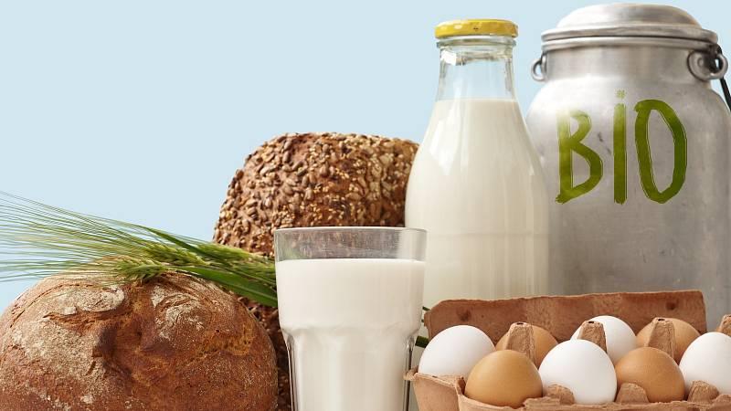 Bio nemusí být vždy zdravější volbou. V biopotravinách se můžou objevit plísně. S klidnou hlavou můžete kupovat maso, mléčné výrobky a vajíčka.