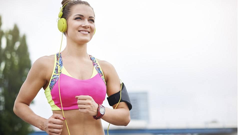 Jak vybrat padnoucí sportovní podprsenku