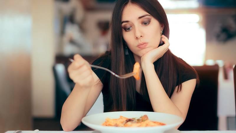 Ortorexie je porucha příjmu potravy charakterizovaná jako chorobná posedlost zdravým a správným stravováním.