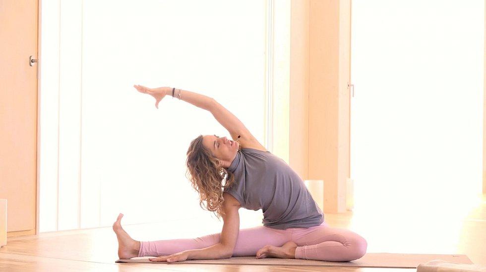 Lekce jógy proti jarní únavě.