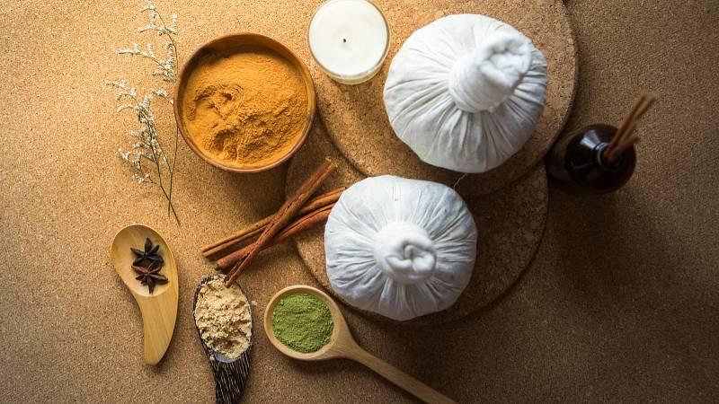 Koření je v ájurvédě nejdůležitější přísadou v kuchyni, protože zlepšuje stravitelnost potravin.