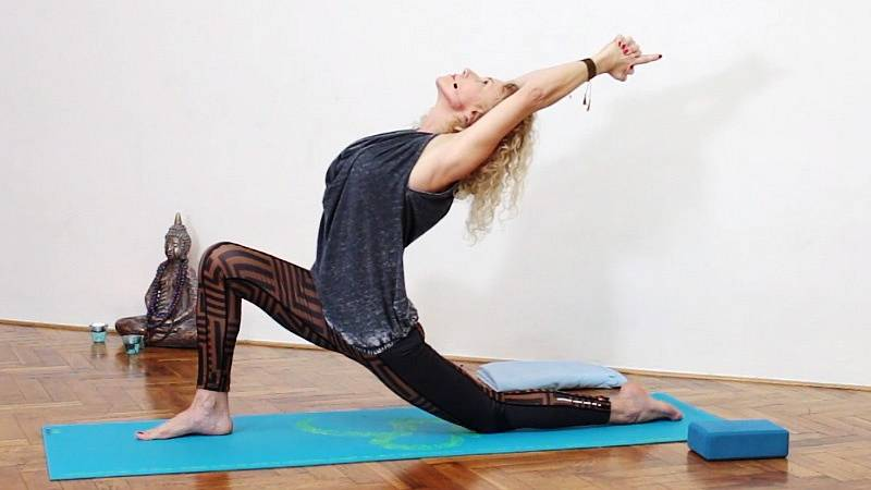 Sestava cviků na rozcvičení horní poloviny těla