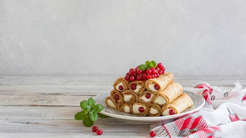 Špaldové palačinky s cottage a ořechy vám dodají vlákninu, hořčík, bílkoviny a vitamin B.