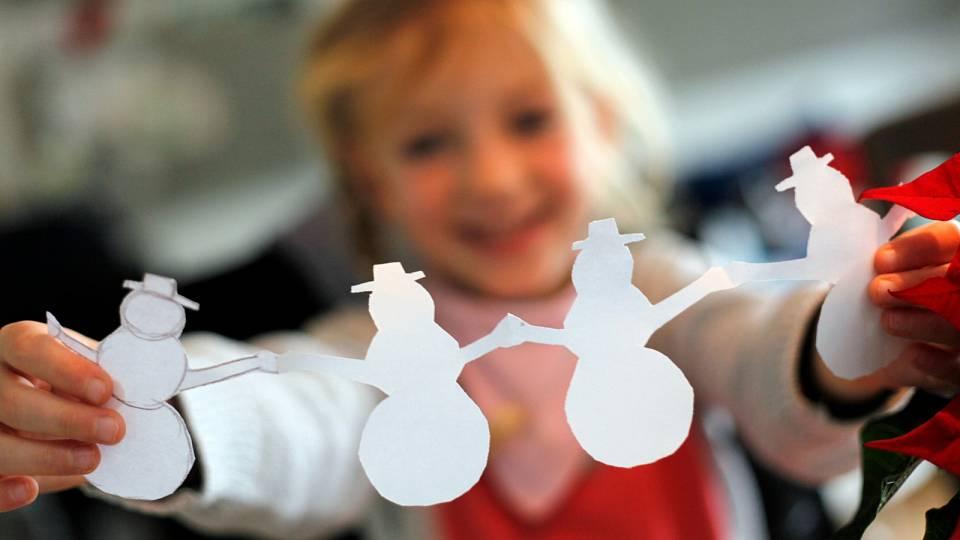 5 jednoduchých vánočních dekorací, které zvládnete vyrobit se svými dětmi