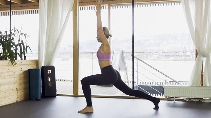 Pilates cvičení s ponožkami