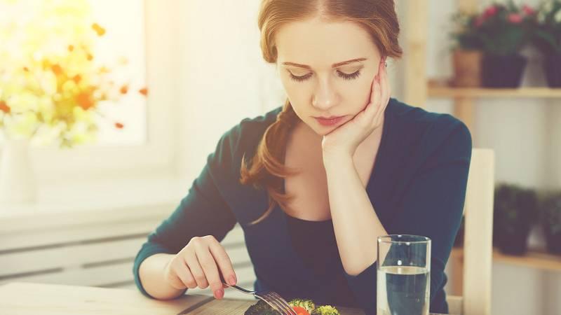 Jídlo je potřeba si hlavně užívat, teprve pak bude tělo správně trávit.