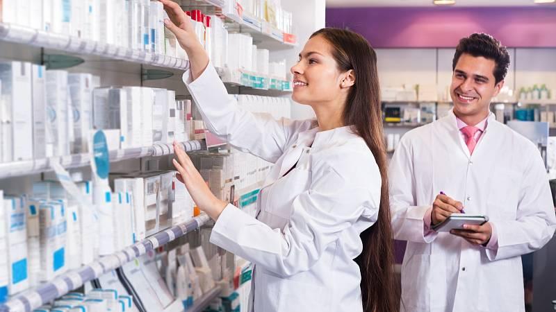 Pavla Petříková Holasová radí ohledně užívání léků, doplňků stravy, ale také první pomoci.