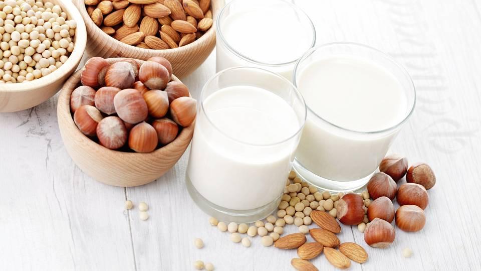 Ochutnejte rostlinná mléka