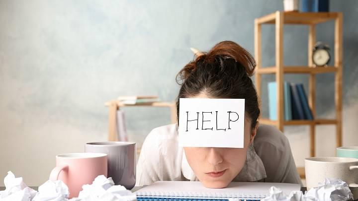 4 nejlepší způsoby, jak si říci o pomoc. Nebuďte už na všechno sami!