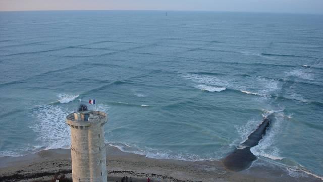 Příčné či čtvercové vlny na Francii