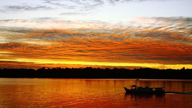Západ slunce v Amazonii