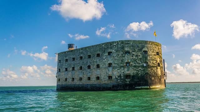 Výstavbu pevnosti Boyard realizoval až Napoleon.