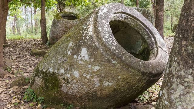 Stáří těchto nádob se odhaduje nejméně na dva tisíce let