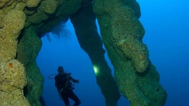 Hlubiny vždy lákají potápěče