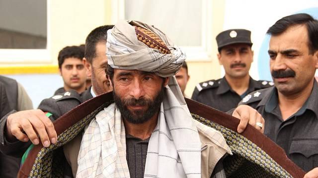 Afghánští představitelé přivítali Taliban, aby se připojil k mírovému procesu v Afghánistánu.