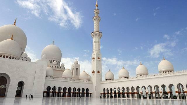 Mešita šejcha Zájeda (Sheikh Zayed) v Abu Dhábí.