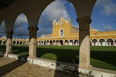 Izamal, the yellow city - covent of St. Antonio