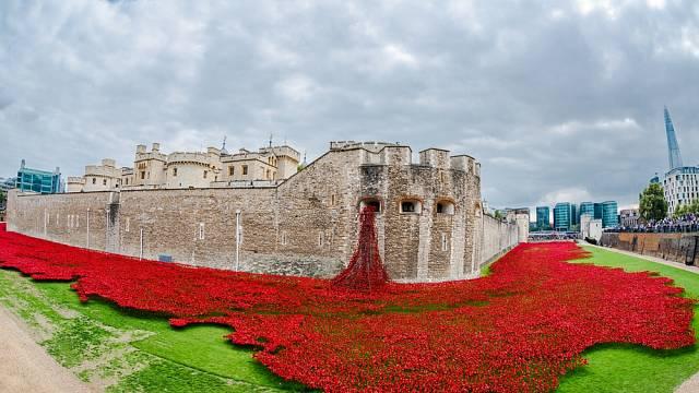 Impozantní budova sloužila jako pevnost, zbrojnice, pokladnice, mincovna, palác, místo poprav, observatoř, útočiště