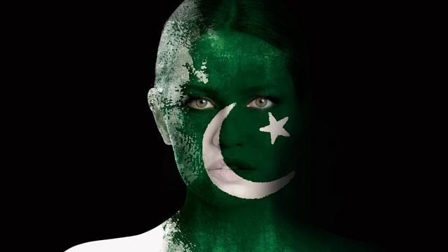 Pákistán je rovněž zmítán tradicemi a náboženstvím.