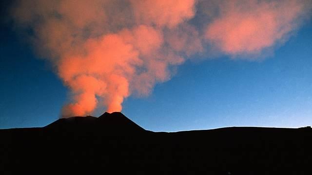Sopečná erupce je většinou nádherná podívaná. Ale život ohrožující.