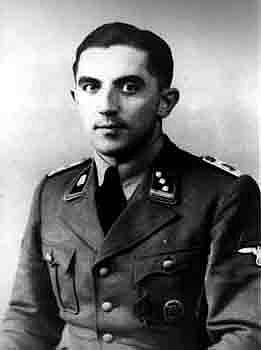 SS Obersturmbannführer (podplukovník) Paul-Werner Hoppe byl velitelem koncentračního tábora Stutthof od září 1942 do dubna 1945