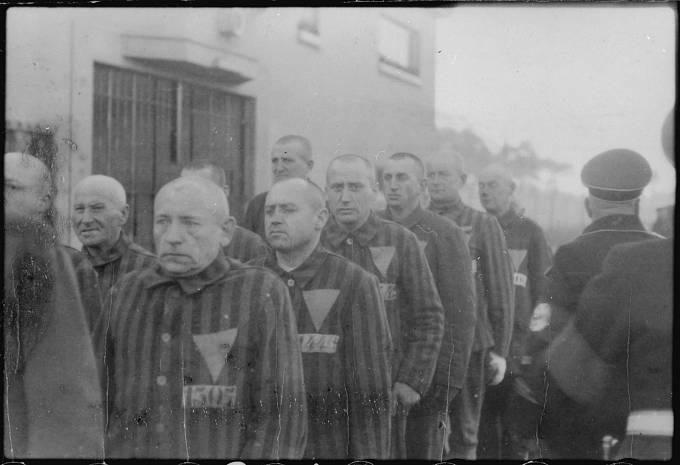 Vězni v koncentračním táboře Sachsenhausen.