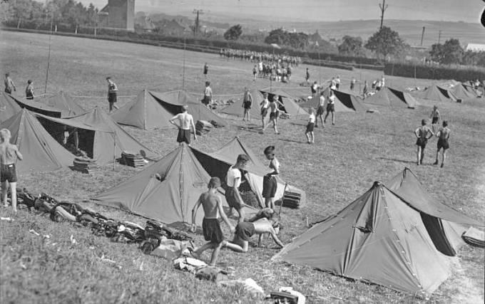 Denní režim byl velice přísný. Řízené volno měli žáci pouze v časech mezi 19:45 a 21:45.