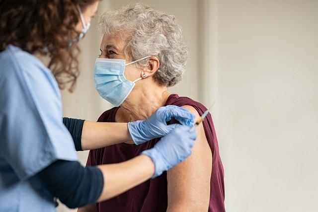 očkování senioři