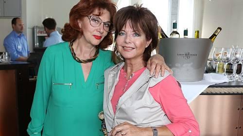 Saskia Burešová a Marie Tomsová