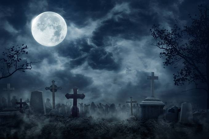 Našli se svědkové, kteří prý zahlédli mrtvou Mercy pobíhat po hřbitově.