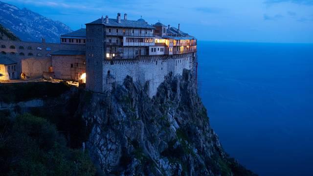 Řecký ostrov Athos se pyšní jednou zvláštností – nesmí na něj vstoupit ženy