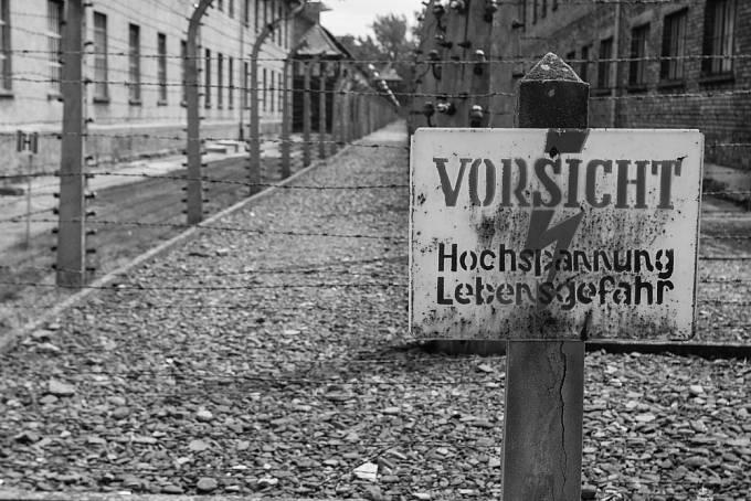 Fischerová zažila v Osvětimi těžké chvíle. Přišla o rodinu a jen těsně unikla smrti v plynové komoře.