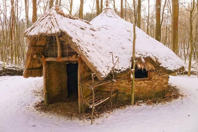 Rekonstrukce chýše z doby bronzové