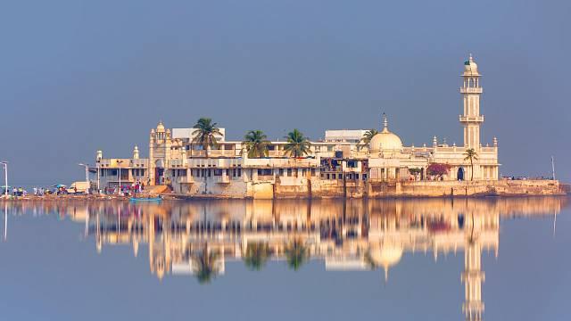 Haji Ali Dargah je ikonická památka v Bombaji