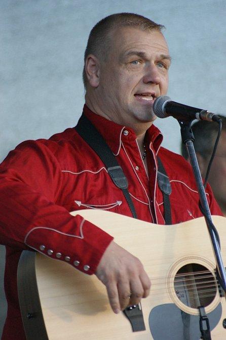 František Nedvěd mladší je sám nadaným hudebníkem, který ale musel bojovat s psychickými problémy.