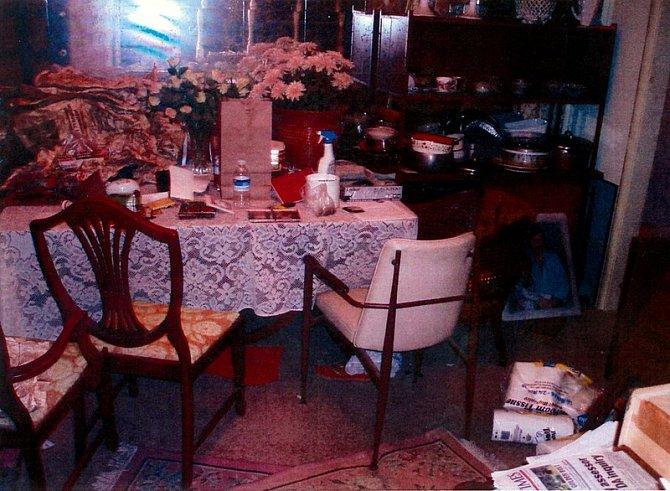 Uvnitř domu manželů Garridových