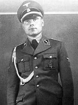 Josef Kramer byl německý důstojník SS a válečný zločinec, velitel koncentračních táborů Auschwitz-Birkenau a Bergen-Belsen.