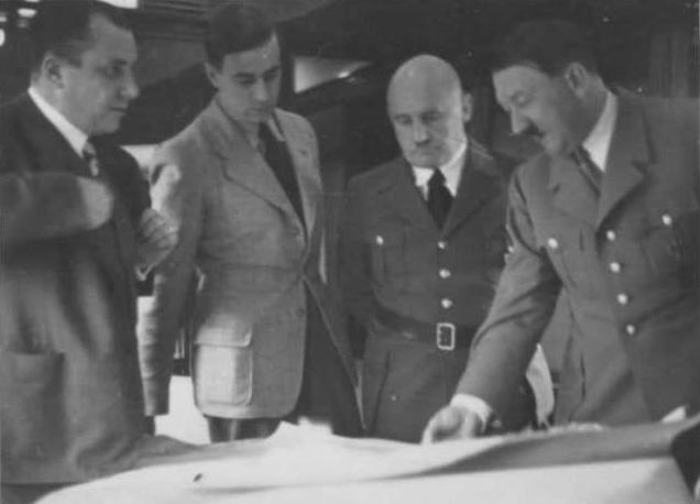 Bormann, Karl Brandt, Streicher, Hitler.