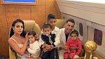 Cristiano Ronaldo se svou velkou rodinou