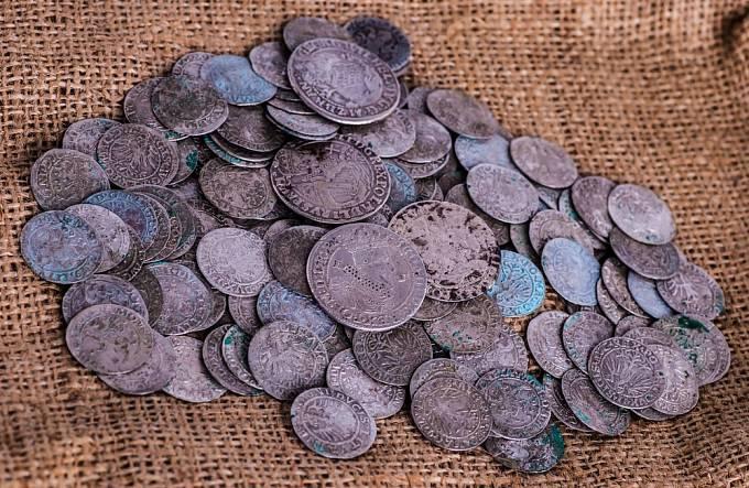 Dlužníci často ručili veškerým majetkem.